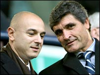 Chairman Daniel Levy with new Spurs coach Juande Ramos