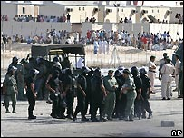 Riot police at labour camp at Jebel Ali Industrial Area in Dubai - 27/10/2007