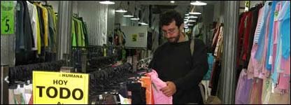 Tienda de ropa de segunda mano en Madrid, Espa�a