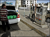Filling up at a Gaza petrol station