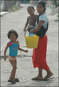 A mother and children in Aracataca