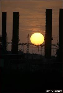 Compañía de electricidad en Al-Nusairat,  Khan Younis, Gaza