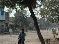 Banda road (Pic: Soutik Biswas)