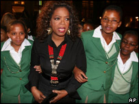 Oprah takes academy students to Lion King premiere