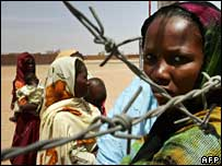Displaced people in Nyala, Sudan, July 2007