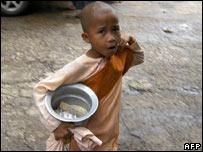 Burmese child begging
