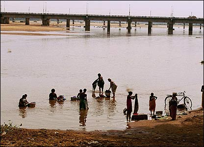 People washing in a Tamil Nadu river