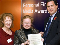 Lesley Curwen and Jennifer Clarke  with B&B chief executive Steven Crawshaw