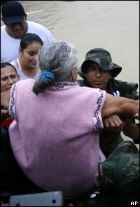 Rescate en medio de las inundaciones en México