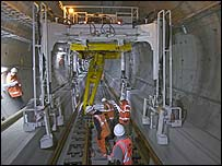 Tunnelling beneath the Thames