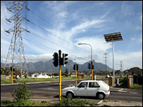 Solar-powered traffic lights trialled in Cape Town 2007 (Pic: M Allie)