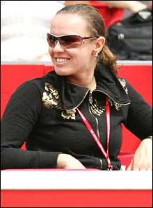 Martina Hingis watches fiance Radek Stepnaek at the 2007 Artois Championships in London.