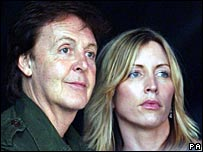 Sir Paul and Heather Mills at the Live 8 concert in 2005