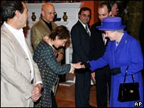 The Queen with actors Zoe Wannamaker and Robert Lindsay