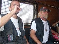 اثنان من المتهمين في طريقهم إلى قاضي التحقيق
