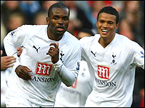 Darren Bent (left) and Jermaine Jenas celebrate