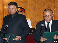 Pervez Musharraf (left) swears in new Chief Justice Abdul Hameed Dogar - 3/11/2007