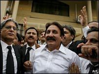 Smiles as Chief Justice Iftikhar Mohammad Chaudhry (centre) is reinstated in July 2007