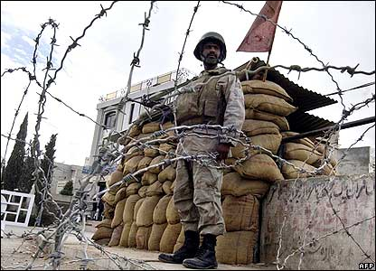 Paramilitary soldier on guard in Quetta