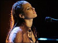 Alicia Keys in 2003