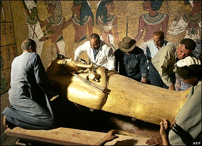 Coffin lid being lifted
