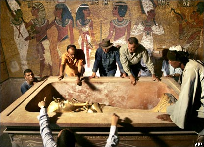 Experts look into sarcophagus