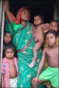 Resident of Bou Doba char with her children