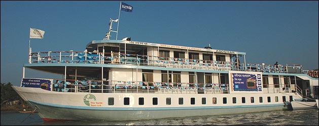 Barco del equipo de la BBC  (foto: Cecilia Barr�a)