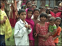 Niños en la aldea de Golachipa