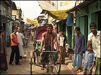 Rickshaw en las calles de Golachipa