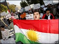 Kurdish demonstrators protest in front of the White House, 5 Nov 2007