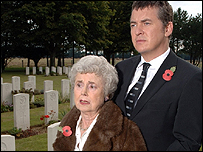 Hilda Braid and Shane Richie as Nana and Alfie Moon