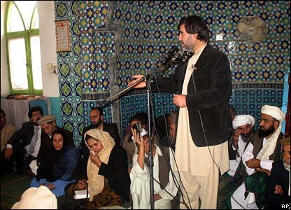 Afghan MP Sayed Mustafa Kazimi, addressing people in Baghlan before the blast, 7 November 2007
