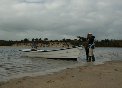 Using a Poole canoe to reach Long Island, Poole Harbour