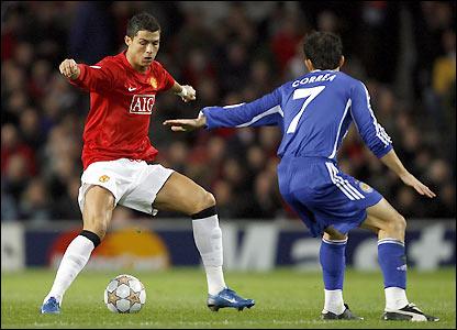 Carlos Correa tries to stop Ronaldo