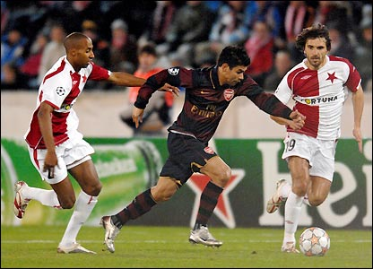 Eduardo tries to bring the ball away as Arsenal struggle to assert themselves