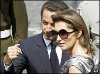 Nicolas Sarkozy (l) with his former wife Cecilia (r) (file pic)