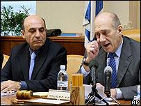 Shaul Mofaz (left) with Israeli Prime Minister Ehud Olmert