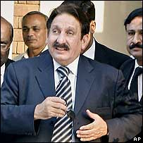 Former chief justice Iftikhar Chaudhry (file photo)