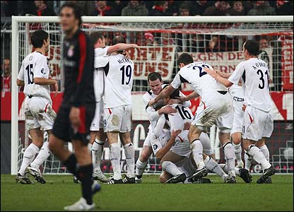 Bolton's players celebrate Kevin Davies' equaliser