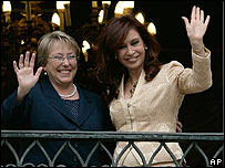 Michelle Bachelet y Cristina Fernández.