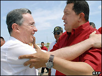 Colombian President Alvaro Uribe (left) and Venezuelan President Hugo Chavez (right)  - 12/10/2007