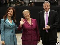 Cristina Fern�ndez de Kirchner, Michelle Bachelet y N�stor Kirchner