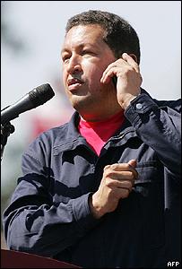Ch�vez con Fidel al tel�fono
