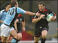 Andy Farrell takes on the Glasgow defence for Saracens on Sunday