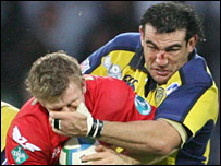 Dwayne Peel is tackled by Clermont's Laurent Emmanuelli