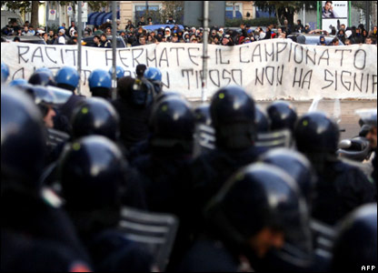 Football supporters demonstrate in front of Italian TV RAI in Milan 11/11/07