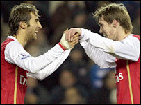 Mathieu Flamini celebrates with Alexander Hleb after scoring Arsenal's opener