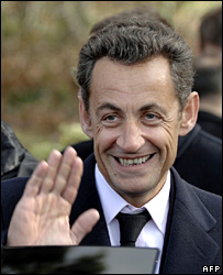 Nicolas Sarkozy waves at Colombey-les-Deux-Eglises (9 November 2007)