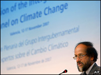 IPCC chair Rajendra Pachauri at presentation. Image: AP